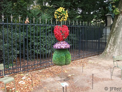 100 Word Challenge, Luxembourg Gardens,